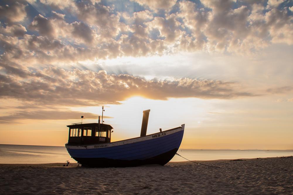 Vielleicht sehen Sie dieses Fischerboot am Strand von Heringsdorf