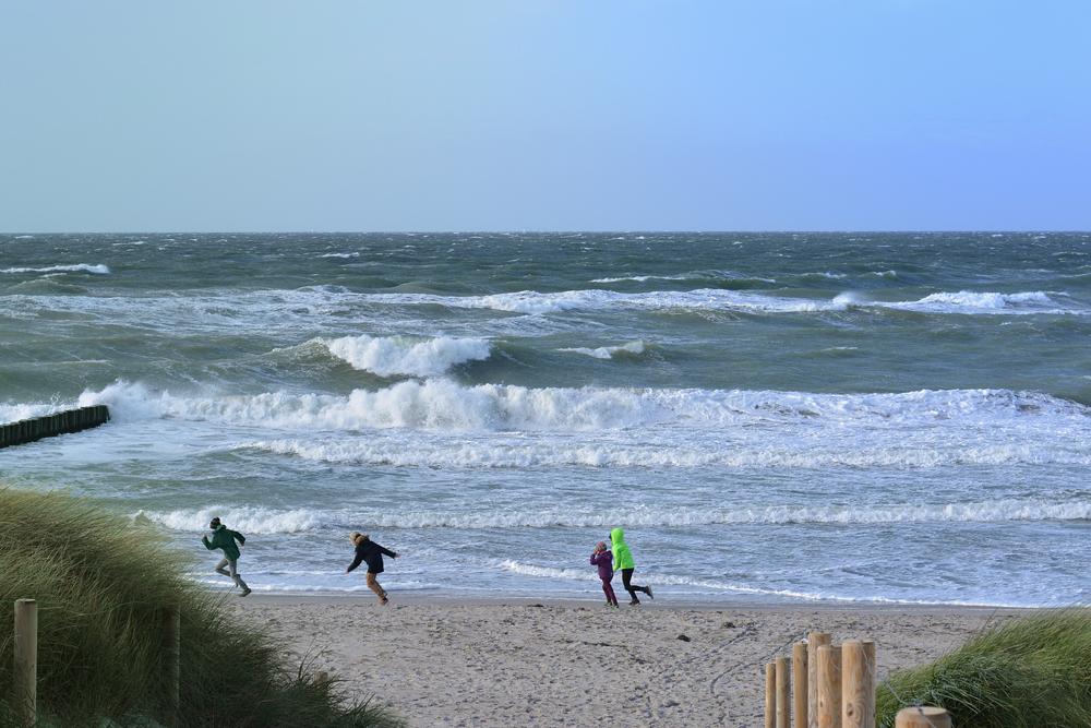 Urlaub mit Kindern in den Herbstferien auf Usedom am Strand